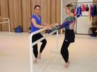 Natallia Rodrigues faz aula de balé em São Paulo