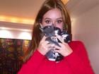 Marina Ruy Barbosa acha gatinhos na rua e pede ajuda para adoção