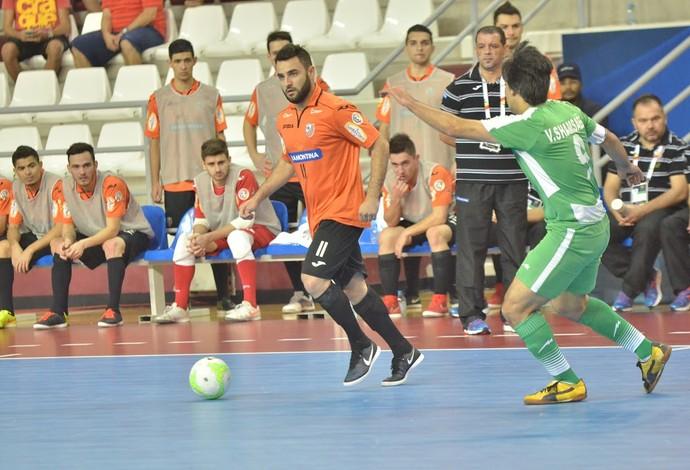 Murilo fez o quarto gol do Carlos Barbosa na partida deste sábado pela Copa Intercontinental de futsal (Foto: Ulisses Castro / ACBF)