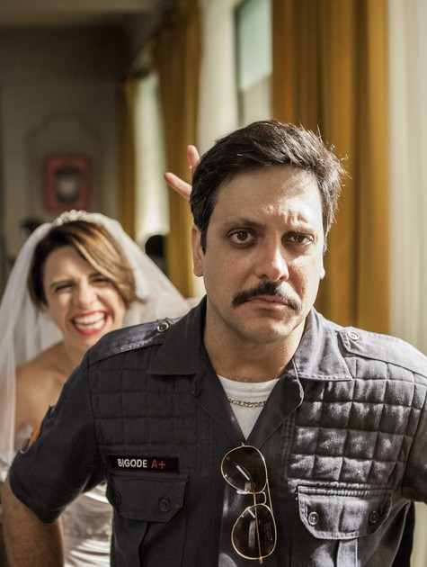 Renata Gaspar e Lúcio Mauro Filho em 'Chapa quente' (Foto: Matheus Cabral/ TV Globo)