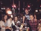 Bruna Marquezine, Tatá Werneck e Paulo Gustavo jantam juntos em NY