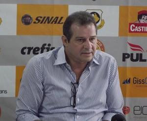 Teixeira quer que Roberto Fonseca dê continuidade no comando (Foto: Reprodução/Facebook)