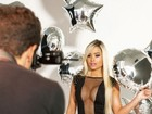 Ex-panicat Aryane Steinkopf posa sexy para campanha de grife