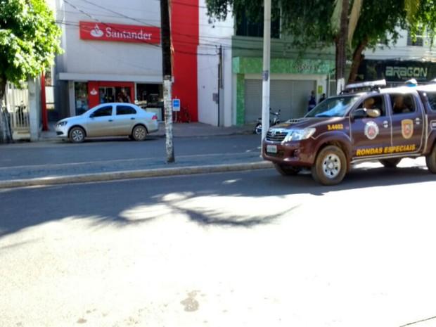 Funcionário de banco é amarrado a explosivos por bandidos na Bahia (Foto: Blog do Sigi Vilares)