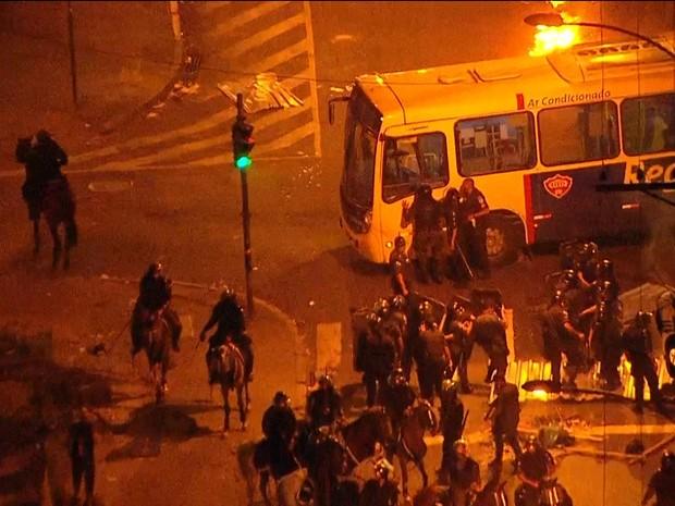 Globocop mostrou confusão no entorno da Central (Foto: Reprodução / Globo)