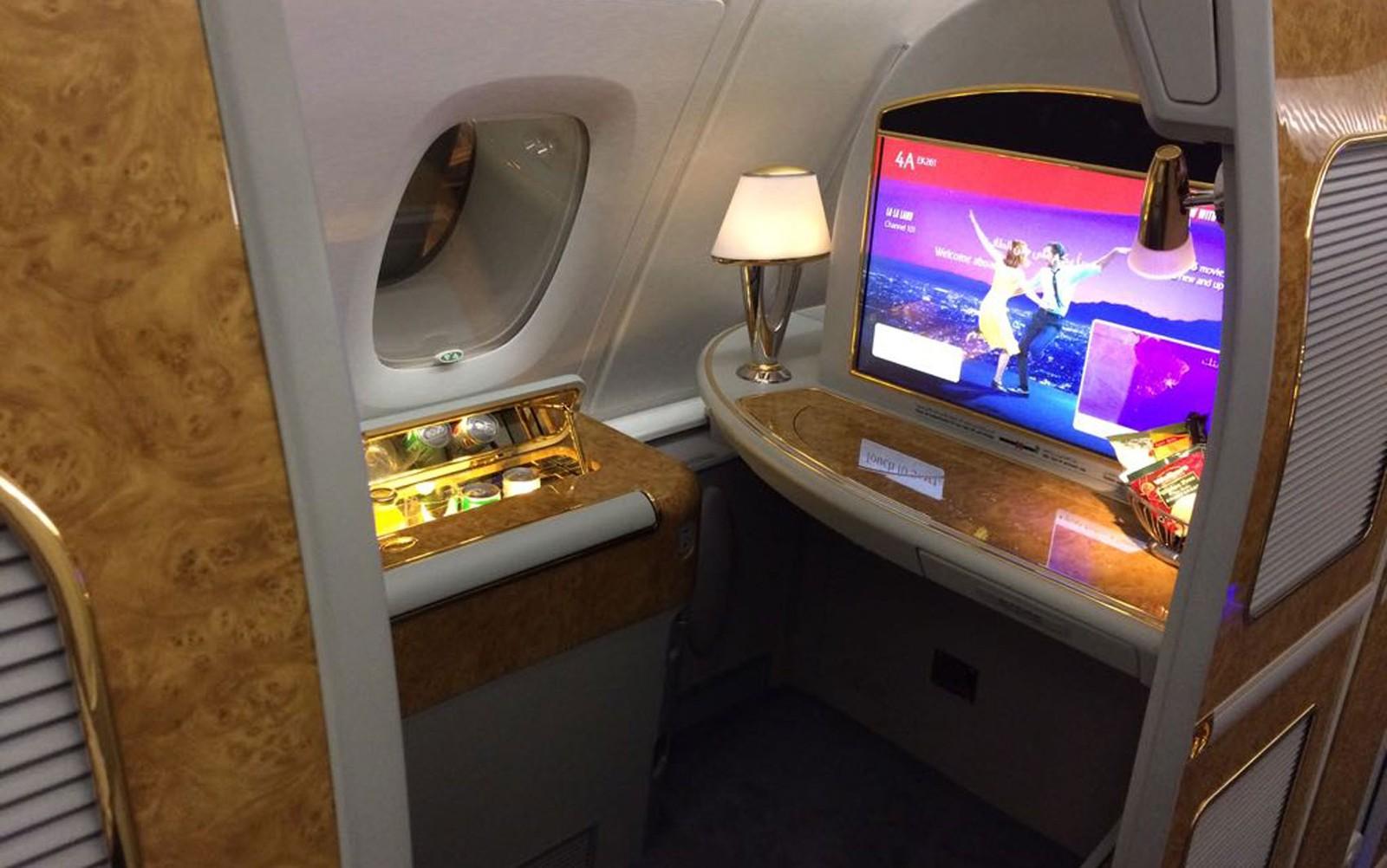 [Brasil] A380, maior avião comercial do mundo, aterrissa em Guarulhos e recebe 'batismo'; veja vídeo Av08