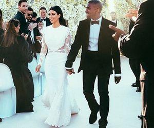 De plebeia a princesa: a ascensão fashion de Kim Kardashian