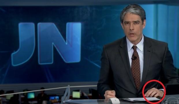 William Bonner já sem aliança (Foto: Reprodução/TV Globo)
