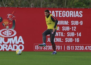 Rak treino do Inter (Foto: Tomás Hammes/GloboEsporte.com)