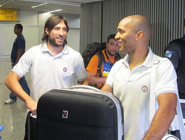 Pavone e Regueiro do Lanús (Foto: Thales Soares / Globoesporte.com)