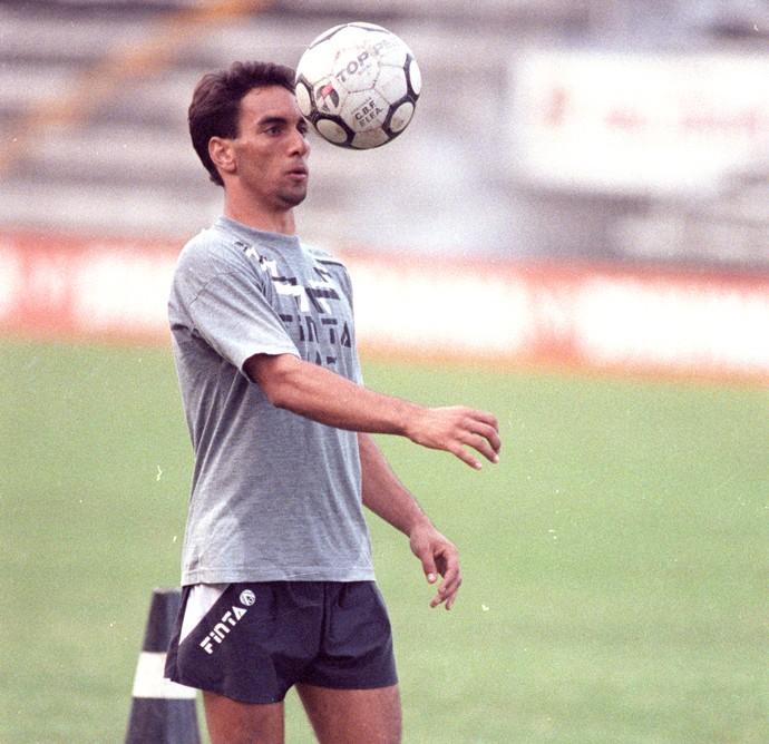 Edmundo treino do Vasco em 1992 (Foto: Wiltonauar Moura / Agência O Globo)