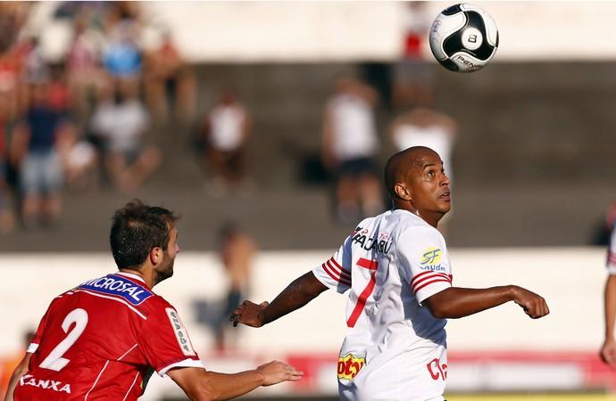 Serginho, atacante do Botafogo-SP (Foto: Thiago Calil/Ag. Botafogo)