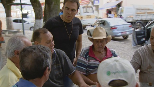 Reveja: Mário conhece comunidade de Santa Montanha