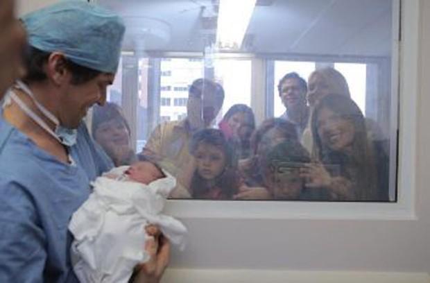 Fábio Faria mostrando sua Jane para a família (Foto: Reprodução/Instagram)