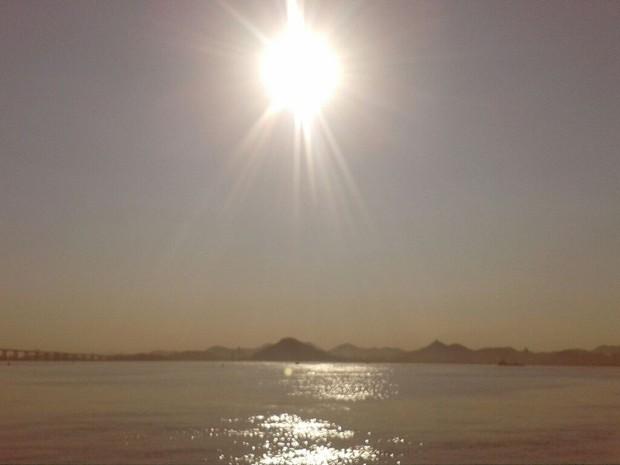Calor no Rio deve chegar a 40°C nesta terça-feira, 13 (Foto: Miguel Folco/G1)