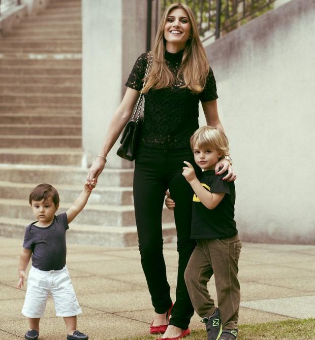Maria é mãe de dois meninos e sente a pressão para ter uma menina (Foto: Vitor Manon)