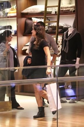 Kyra Gracie e Malvino Salvador em shopping na Zona Oeste do Rio (Foto: Fabio Moreno/ Ag. News)