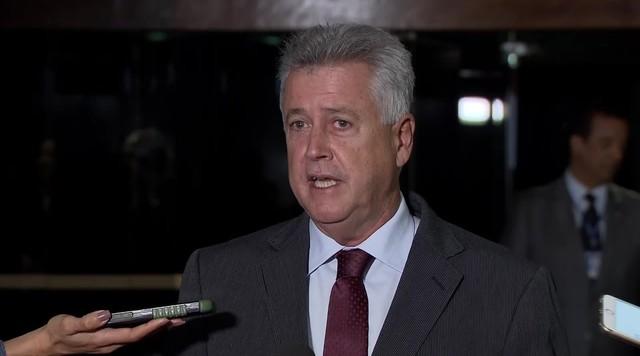 Governador do DF diz que é 'irresponsabilidade' aumentar salário de policiais