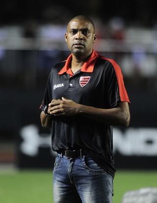 Serjão, técnico, Oeste (Foto: Marcos Ribolli)