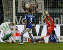 Werder vence o Schalke de virada e segue vivo na luta contra a degola