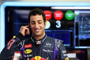 Daniel Ricciardo faz o terceiro melhor tempo do dia no Bahrein (Foto: Getty Images)