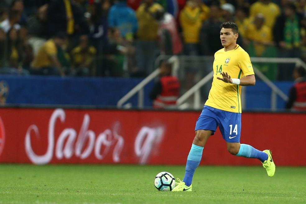 Thiago Silva entrou no intervalo da vitória brasileira e ganhou elogios de Tite: