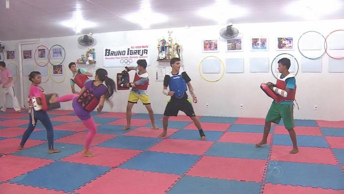 Evento quer levar atletas para Copa do Brasil de taekwondo, em dezembro (Foto: Reprodução/Rede Amazônica)