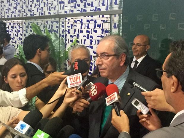 O presidente da Câmara, Eduardo Cunha, concede entrevista coletiva no Salão Verde (Foto: Nathalia Passarinho / G1)