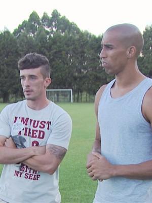 Michel e Gilberto ainda lamentam derrota no domingo para o América-MG (Foto: Reprodução EPTV / Michel Diogo / Marcelo Rodrigues)