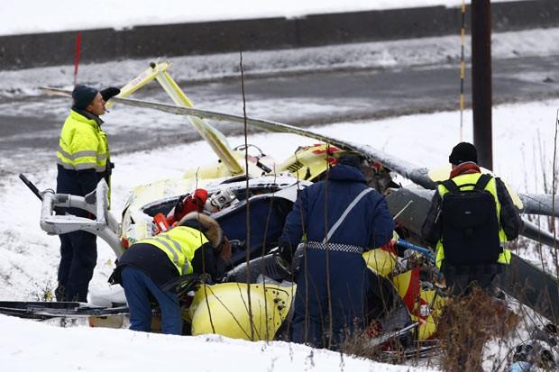 Destroços de helicóptero acidentado nesta terça-feira (14) na Noruega (Foto: Heiko Jinge/AFP/NTB scanpix )