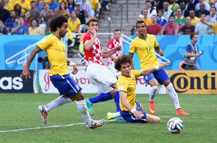 Gol contra do lateral Marcelo no jogo do Brasil contra a Croácia (Foto: Divulgação/FIFA)