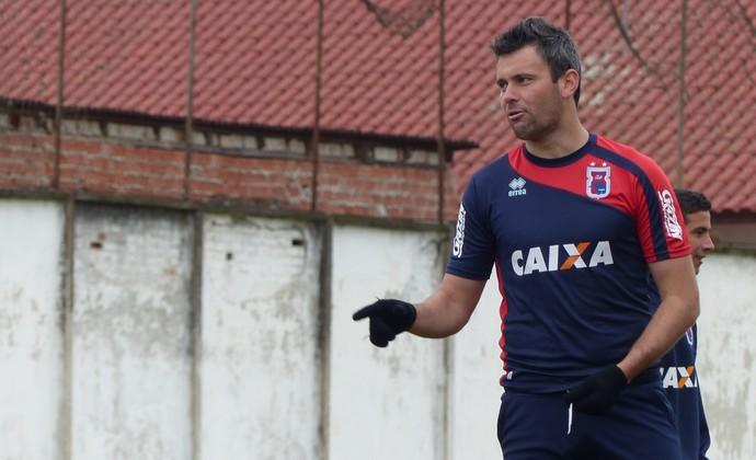Giancarlo atacante do Paraná (Foto: Ana Helena Goebel)