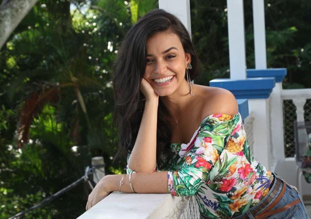 Talita Younan na Casa QUEM de Verão (Foto: Daniel Janssens / Ed.Globo)