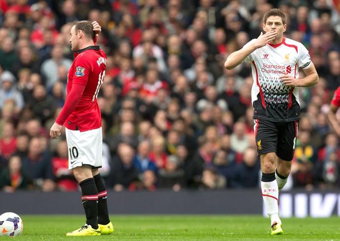 Steven Gerrard comemoração gol Liverpool contra Manchester United (Foto: AP)
