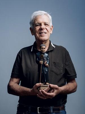 DEVOTO Juberto Braga, em São Paulo. Ele se tornou fiel depois da morte de um filho (Foto: Filipe Redondo/ÉPOCA)