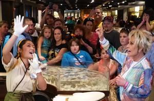 Ana Maria e Felipe Suhre recordam momentos na Disney (Melina Mantovani / Gshow)