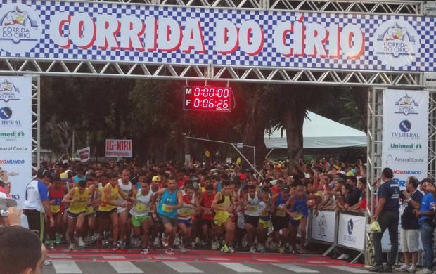 Mais de qquatro mil pessoas participam da Corrida do Círio (Foto: Gustavo Pêna/GLOBOESPORTE.COM)