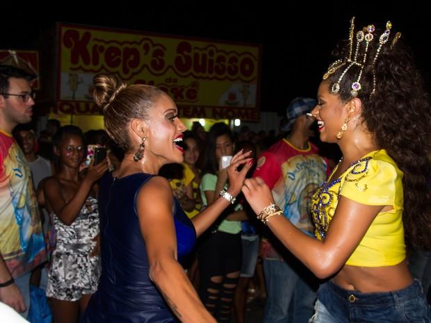 Ana Paula Evangelista e Juliana Alves em ensaio de rua da Unidos da Tijuca na Zona Norte do Rio (Foto: Bruno Mello/ Divulgação)