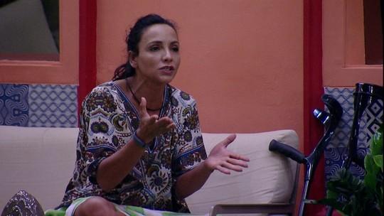 Big Brother Brasil: Marinalva se irrita com Emilly por causa de festa