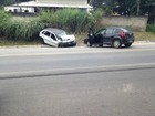 Acidente entre dois carros deixa quatro feridos em Caçapava, SP