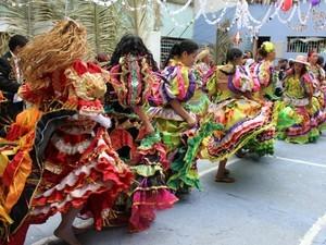 Presidiárias apresentam dança (Foto: Flaviane Azambuja/G1)