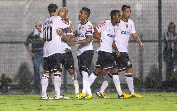 Douglas Emerson gol Corinthians (Foto: Vanessa Carvalho / Ag. Estado)