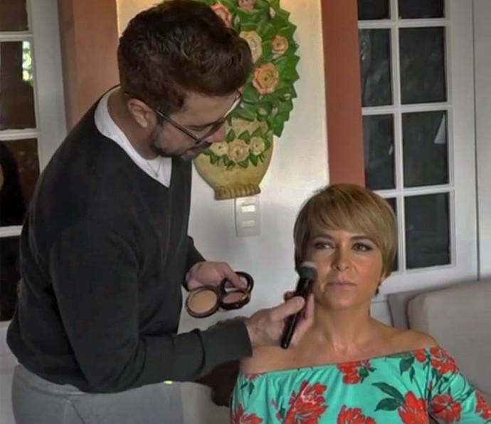 Fernando Torquatto e Claudia Abreu contaram como criaram o visual da Helô (Foto: TV Globo)