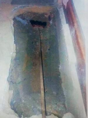 Marido faz cova para esposa debaixo da cama (Foto: Divulgação / Policia Civil)
