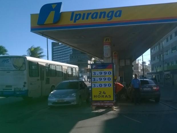 Posto Ipiranga (Foto: Henrique Mendes/ G1)