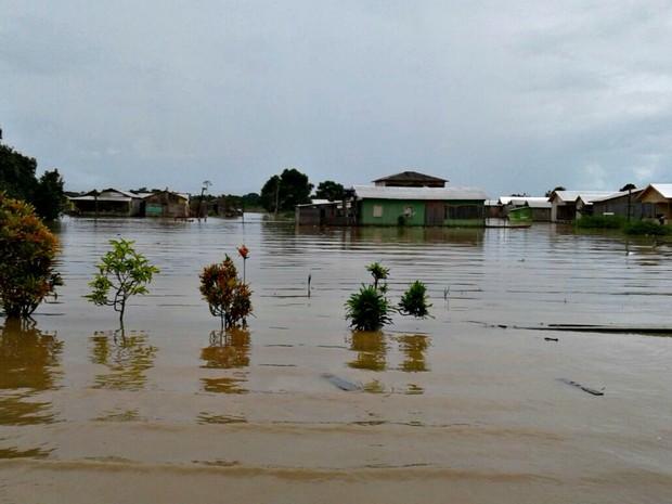 Cerca de 16 mil pessoas estão atingidas pela enchente dos rios Tarauacá e Muru, segundo Defesa Civil (Foto: Charles Souza/Arquivo pessoal)