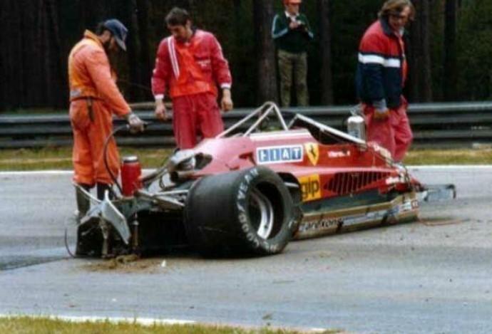 A Ferrari de Gilles Villeneuve ficou completamente destruída após o acidente em Zolder, em 1982 (Foto: Reprodução / Twitter)