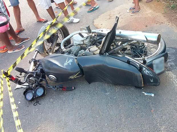 Motociclista morre na BA-046 após colidir em caminhão próximo a Elísio Medrado (Foto: A voz de Brejões)
