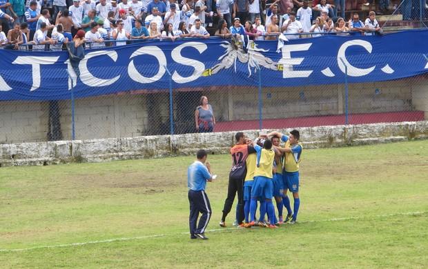 Comemaração do gol do Água Santa (Foto: Fúlvio Feola)