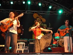 Cantores regionais se apresentam em Festival de Música, em Montes Claros  (Foto: Fábio Marçal)